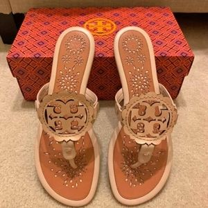 Tory Burch miller scalloped size 8.5 out of stock